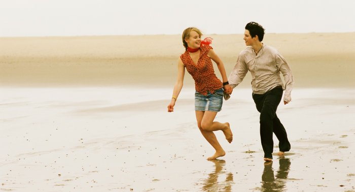Jenny mit Mel am Strand