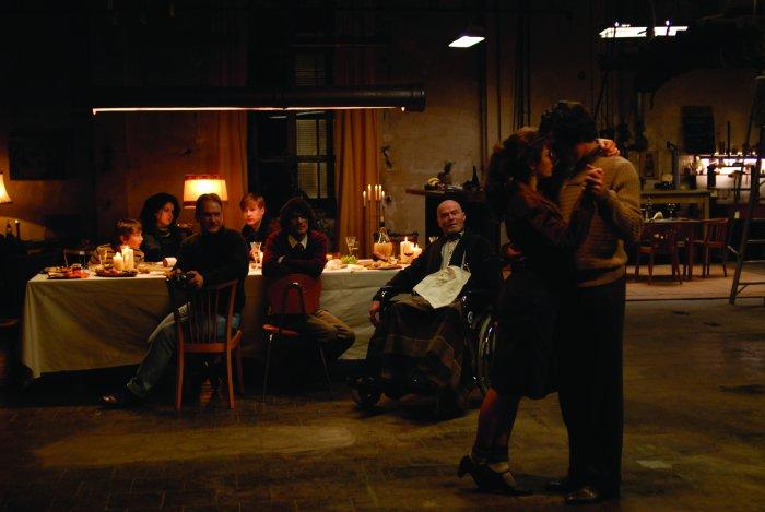 Abends wird die Fabrik zum Tanzparkett