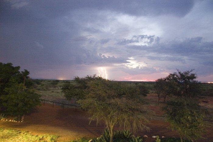 Gewitterstimmung in der Kalahari