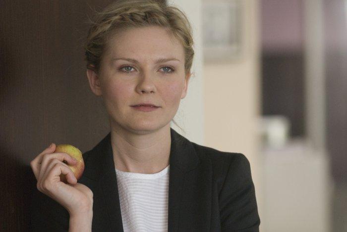 Kirsten Dunst spielt die Journalistin Alison Olsen